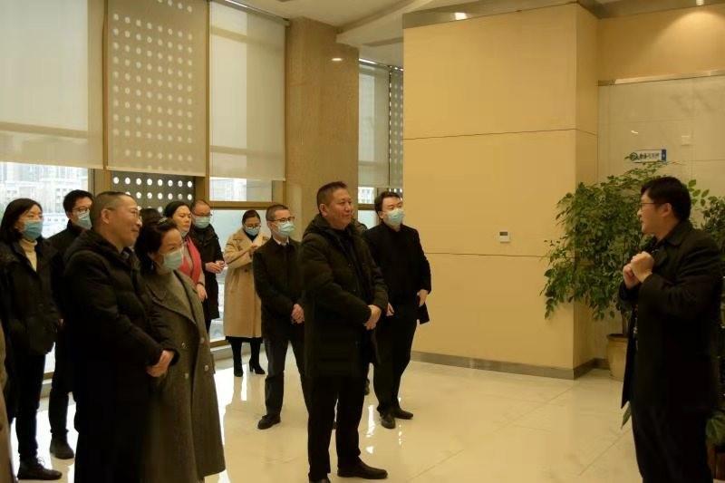 重庆市科技局副局长许志鹏一行调研产研院